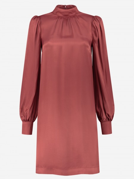 Satijnen jurk met pofmouwen